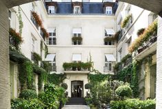 View photos of the Relais Christine, an elegant hotel and Spa in Paris, near the Orsay Museum, Saint-Germain-des-Prés and the Latin Quarter. Paris Hotels, Hotel Paris, Saint Germain, Best Vacation Destinations, Best Vacations, Vacation Spots, European Vacation, Vacation Travel, European Travel