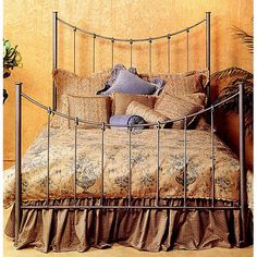 Stone County Ironworks Knot Queen Bed SC-901-075