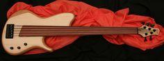 Biarnel Liuteria Akme '5 AQ bass