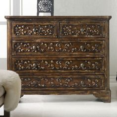 Gorgeousness !!! I love this chest #wood #chest