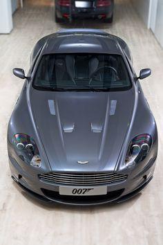 Grey car Aston Martin 007 | Source