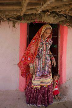 Kutch - India — presso Bhuj Kutch. https://www.facebook.com/agnescassierephotography/photos/a.201424300047740.1073741828.196606067196230/329273213929514/?type=1
