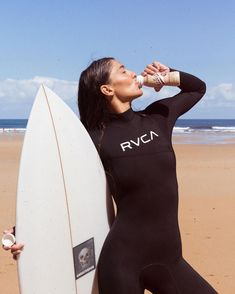 Cute girl on wetsuits David Beckham Suit, Diving Suit, Womens Wetsuit, Best Swimwear, Fitness, Cute Girls, Outfit Of The Day, Tankini, Beachwear