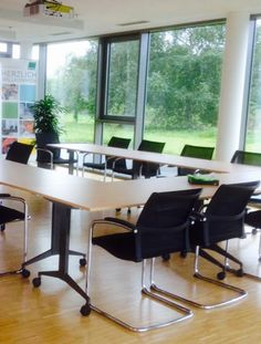 Besprechungsraum by kühnle'waiko #office #furniture #workspace #interior #design #acoustic #conference