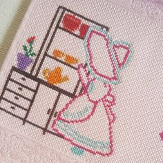 No automatic alternative text. Kitchen Decor - Home creative ideas Cross Stitch Alphabet, Cross Stitch Embroidery, Cross Crafts, Deco Mesh, Art Girl, Kitchen Decor, Sewing, Creative Ideas, Girls