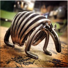 Horseshoe Armadillo by OakRidgeIronWorks on Etsy                                                                                                                                                      Mais