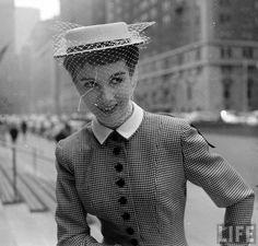 . Hats, Sleeves, Fashion, Moda, Hat, Fashion Styles, Fashion Illustrations, Hipster Hat, Cap Sleeves