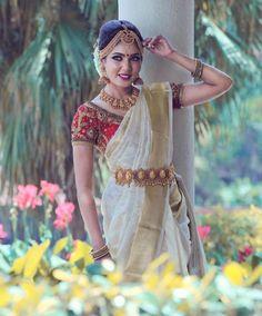 Kasavu Saree, Sarees, Set Saree, Kerala Saree, Temple Jewellery, Bridal Beauty, Indian Designer Wear, Beautiful Bride, Indian Beauty