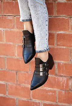 Western Redux Pointed Booties | FOREVER21 - 2000111424
