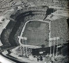 Metropolitan Stadium (Minnesota). Vikings football.