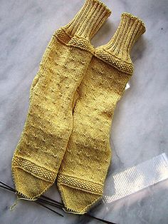 Ravelry: Seed Stitch Border for Socks pattern by Kay Redding