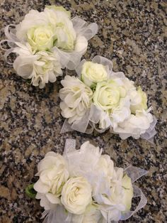 Garden spray roses and hydrangeas corsage