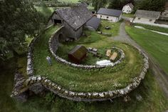 sunfl0werpetal:  daleksandflowercrowns:  dewymossempire:  weirdpictures:  A barn in Norway  Oh man this is so neat  At first i was confused bc barn means child in norwegian   I believe in the good things coming~