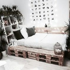 Rustic Bedroom Ideas - If you intend to go to rest in rustic trendy after that this post is excellent for you. We've collected a great deal of rustic bedroom design ideas you could make use of. Home Bedroom, Modern Bedroom, Bedroom Decor, Bedroom Themes, Rustic Teen Bedroom, Cool Teen Bedrooms, Cozy Room, Aesthetic Bedroom, Dream Rooms