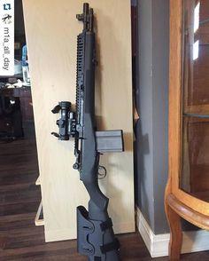 with What a nice build! by gunchannels Military Weapons, Weapons Guns, Guns And Ammo, M1 Garand, Battle Rifle, Custom Guns, Fire Powers, Firearms, Shotguns