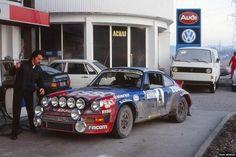1982 RMC Frequelin No4 Altri tempi far benzina alla pompa come i comuni autisti della domenica senza usare benzine speciali da 10 euro al litro e anche più ...!!!