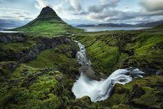 Mt. Kirkjufell, Grundarfjordur, Snaefellsnes Peninsula, West Iceland