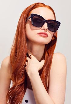 Fall Hair Color Trends Burnt Red And Orange Leaves Hair Colors - chic better Are you looking for Fall hair color styles? See our collection full of ginger hair color styles and get inspired. Madelaine Petsch, Cheryl Blossom Riverdale, Riverdale Cheryl, Camila Mendes Riverdale, Ginger Hair Color, Peinados Pin Up, Beautiful Redhead, Beautiful Red Hair, Cute Woman