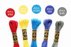 a DMC embroidery floss palette. (I love a good excuse to pull the colors out to play! Diy Bracelets Easy, Thread Bracelets, Bracelet Crafts, Braided Friendship Bracelets, Diy Friendship Bracelets Patterns, Embroidery Alphabet, Dmc Embroidery Floss, Embroidery Designs, Cross Stitch Thread