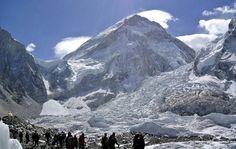 n alpinista holandés de 35 años de edad, que sufría de mal de altura, murió en su camino de regreso desde la cumbre del Monte Everest