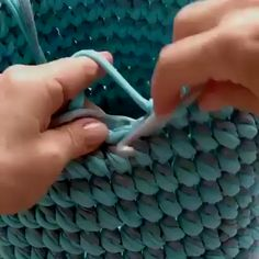Manualidades hacer crochet - knitting is as easy as 3 knitting l . Manualidades hacer crochet – knitting is as easy as 3 Knitting boils down to three essentia Knitting Projects, Crochet Projects, Knitting Patterns, Crochet Patterns, Crochet Stitches, Crochet Hooks, Knit Crochet, Tunisian Crochet, Easy Crochet
