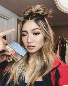 Who's excited for the out for details. Nadine Lustre Makeup, Lady Luster, Hair Color For Morena, Beautycon, Jadine, Best Actress, Beautiful Asian Girls, Hair Inspo, Dyed Hair