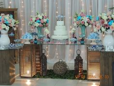Bolo cenográfico de Chácara Amor Eterno | Foto 55 Wedding Themes, Wedding Decorations, Table Decorations, Sister Wedding, Cake Table, Wedding Wishes, Quinceanera, Open House, Wedding Planning
