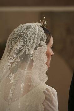 Wedding Hairstyles With Veil, Short Wedding Hair, Wedding Veils, Wedding Dresses, Wedding Beauty, Dream Wedding, Wedding Day, Bridal Hair Down, Wedding Looks