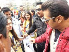 Salman Khan spotted with fans at InterContinental Warsaw,Poland | PINKVILLA