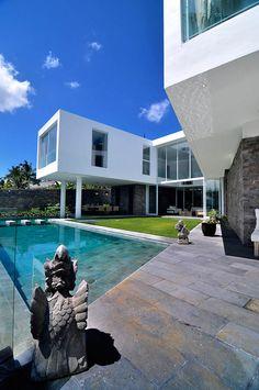 Scandinavian Meets Balinese Inspiration In Exquisite Summer Villa