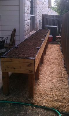 Best Photographs high Raised Garden Beds Thoughts Positive, that may be an unusual headline. Nevertheless certainly, while I first created our raised garden bed. Small Backyard Design, Small Backyard Patio, Backyard Ideas, Raised Patio, Raised Garden Beds, Raised Beds, Above Ground Garden, Raised Planter Boxes, Vegetable Gardening
