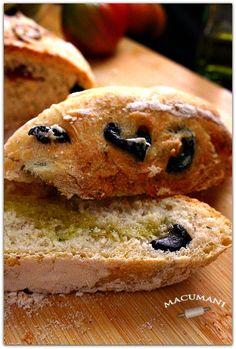 PAN MEDITERRANEAO DE ACEITUNAS Y TOMATE . MACUMANI Gula, Empanadas, Bagel, Food And Drink, Yummy Food, Bread, Meals, Blog, Salads