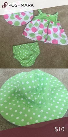 Pink & Green Outfit Reversible hat. Shirt/Dress & Diaper cover. Worn once. Great condition. Gerber Matching Sets