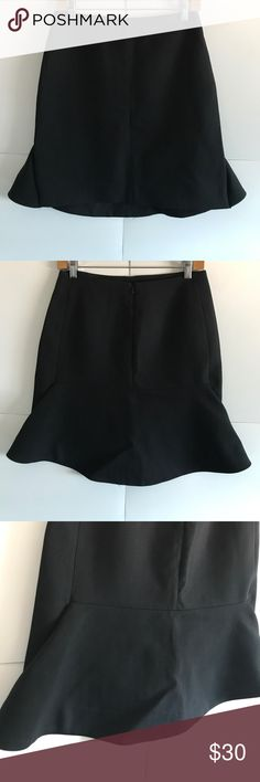 COS Herringbone WOOL Black Skirt Size 6 In Excellent Condition! 100% wool. Herringbone Knit. Perfect for the office!! COS Skirts