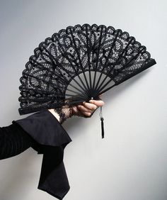 Lace fan by Belle Modeste