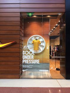 Sport Shoes Display Retail Interior New Ideas Window Display Retail, Shoe Display, Retail Windows, Display Design, Store Design, Display Shelves, Retail Interior, Sports Shops, Shop Front Design