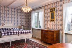 Herrgården Hoby Kulle är till salu Swedish Wallpaper, Rum, Villa, Lounge, Couch, Mansions, Castles, Sweden, Furniture