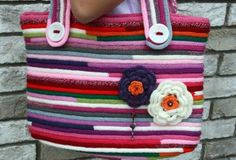 Bolso con cordón tricotin Weaving Projects, Knitting Projects, Knitting Patterns, Finger Crochet, Finger Knitting, Spool Knitting, String Crafts, Paper Weaving, I Cord