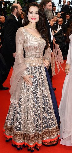 Take a look at the Indian stars on the Cannes red carpet, and tell us if YOU think they got it right. Pakistani Formal Dresses, Pakistani Outfits, Indian Dresses, Indian Outfits, Indian Clothes, Bridal Outfits, Bridal Dresses, Sangeet Outfit, Eastern Dresses