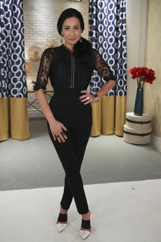 Don't you love Stacy's chic outfit from the latest episode of #LoveLustRun?