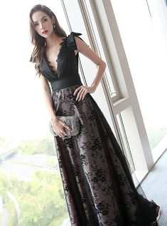 A-line Deep V-neck Lace Tulle Backless Prom Dress