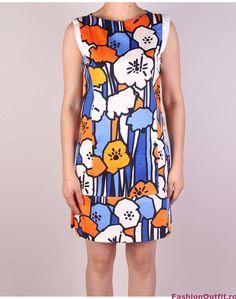 Rochiile sunt considerate articole vestimentare pline de feminitate, foarte lejere si comode, si sunt disponibile intr-o gama variata de modele si intr-o paleta Peplum Dress, Dresses, Fashion, Gowns, Moda, La Mode, Peplum Dresses, Dress, Fasion