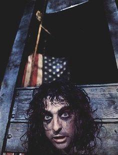 Alice Cooper: Bad taste in politics.  Good music.
