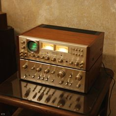Hifi Vintage Photography Site - Classic Design From The & Audio Music, Audio Sound, Hifi Audio, Audio Speakers, Hi Fi System, Audio System, Sound Room, Speaker Amplifier, Gadgets