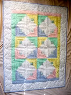 Amish Baby Quilt - Log Cabin Pattern - unisex colors.