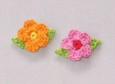 Little flowers with leaves pattern by Mimi Alelis