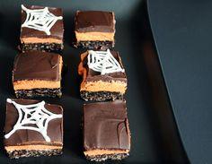 Halloween Desserts Mini Round-Up and Meringue Bones