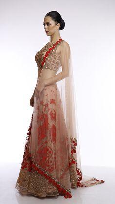 #perniaspopupshop #designer #AsthaNarang #ethenic #clothing #royal #shopnow