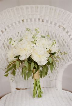 gorgeous bouquet with gentle greenery, i like that :)