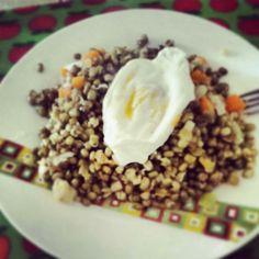Quinoa, soja verde, calabaza y huevo